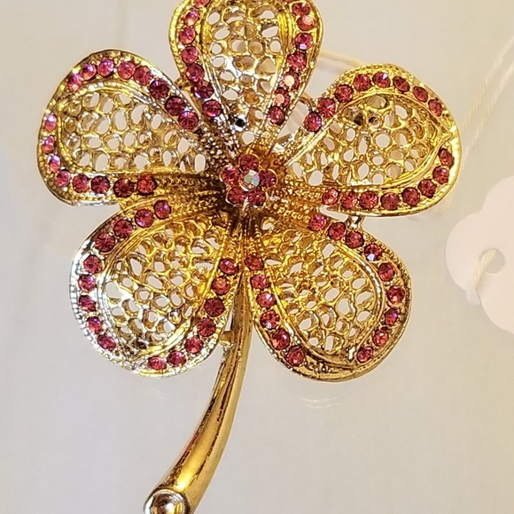 Jewelry - 5/$25 NWT Pink Gold Filigree Flower Pin GORGEOUS